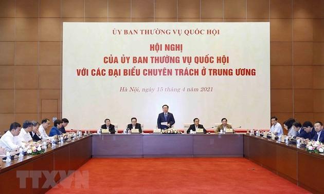 Chủ tịch Quốc hội dự Hội nghị của Ủy ban thường vụ Quốc hội với các đại biểu chuyên trách ở Trung ương