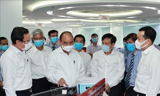 Chủ tịch nước Nguyễn Xuân Phúc thăm một số cơ quan báo chí lớn của Thành phố Hồ Chí Minh