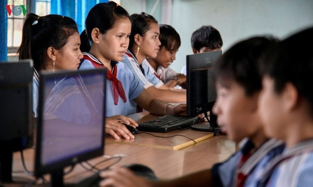Việt Nam tăng cường các biện pháp bảo vệ trẻ em trên môi trường mạng