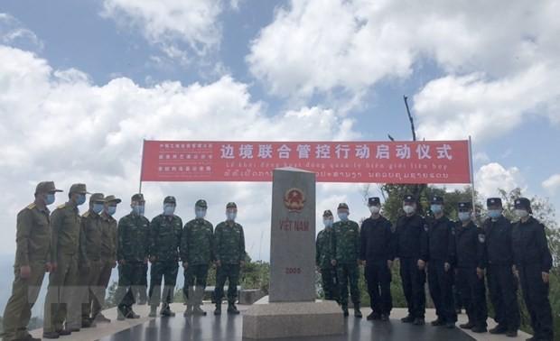Lực lượng bảo vệ biên giới Việt - Trung - Lào gặp gỡ tại Ngã ba biên giới