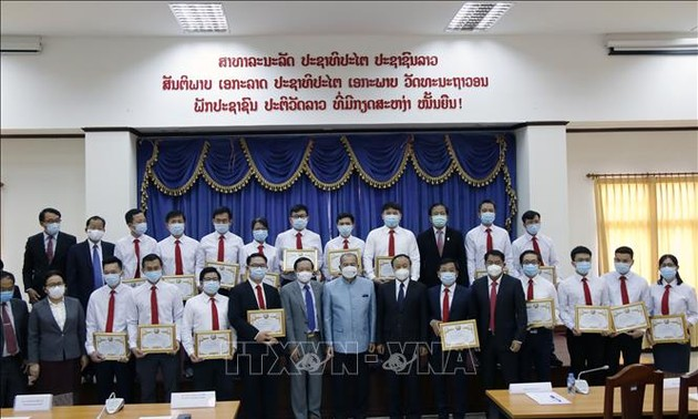 Lào đánh giá cao sự hỗ trợ của Đoàn chuyên gia y tế Việt Nam