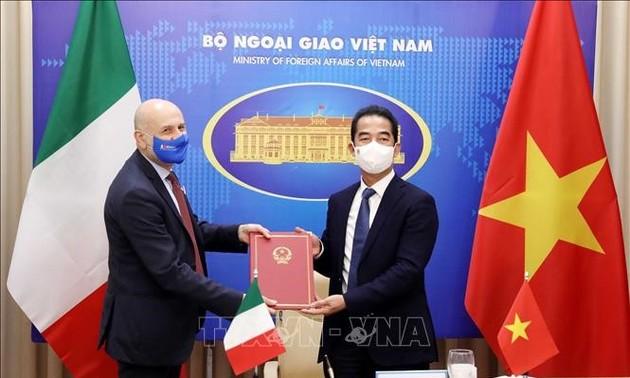 Tăng cường trao đổi đoàn giữa lãnh đạo cấp cao Việt Nam và Italia