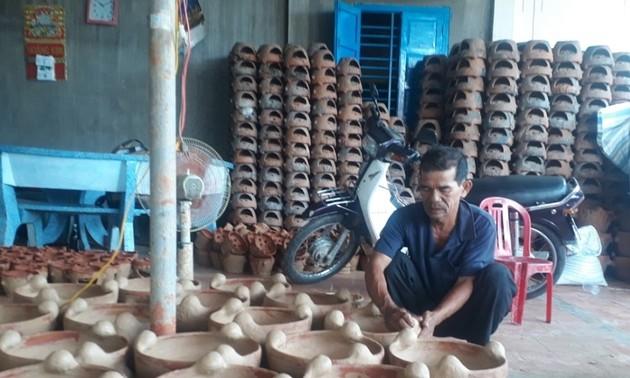 Gìn giữ, bảo tồn và phát huy làng gốm Chăm Bình Đức ở Bình Thuận