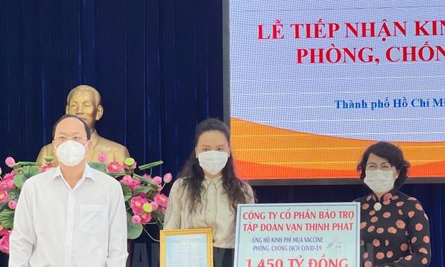 Thành phố Hồ Chí Minh: Gần 2.300 tỷ đồng đăng ký ủng hộ mua vaccine phòng dịch COVID-19