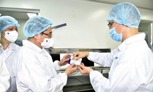 Thủ tướng Phạm Minh Chính yêu cầu đẩy nhanh tiến độ sản xuất vaccine trong nước