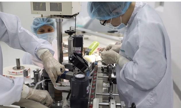 Tăng tốc sản xuất vaccine Covid-19 'made in Vietnam'