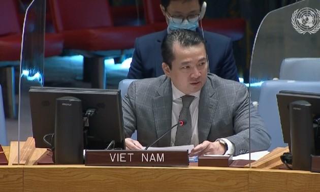 Việt Nam lên án hành vi sử dụng vũ khí hoá học tại Syria
