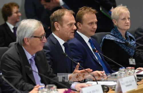 ЕС проведёт специальный саммит по Brexit в апреле