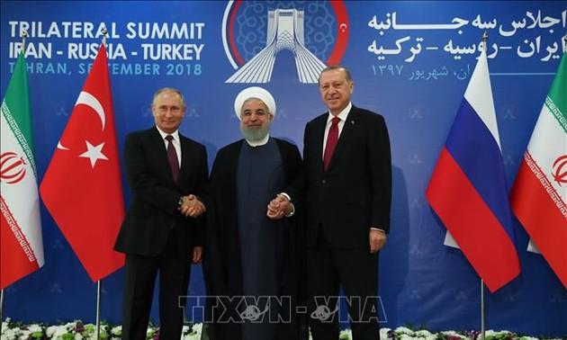 Саммит по Сирии: Итоговая декларация подчеркивает необходимость мирного урегулирования ситуации