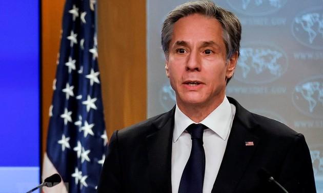 Госсекретарь США обсудил с президентом Афганистана вопросы мирного урегулирования