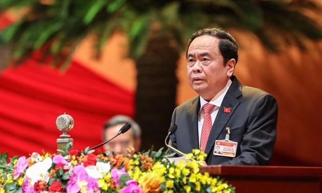 Постоянный вице-спикер парламента поздравил должностных лиц Вьетнамской буддийской сангхи с праздником Весак