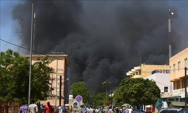 Совбез ООН осудил нападения боевиков на мирных жителей в Буркина-Фасо