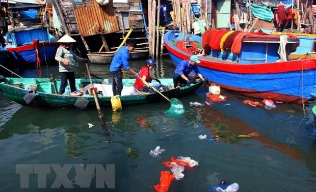 Вьетнам готов участвовать в разработке глобального соглашения по борьбе с пластиковыми отходами в океане