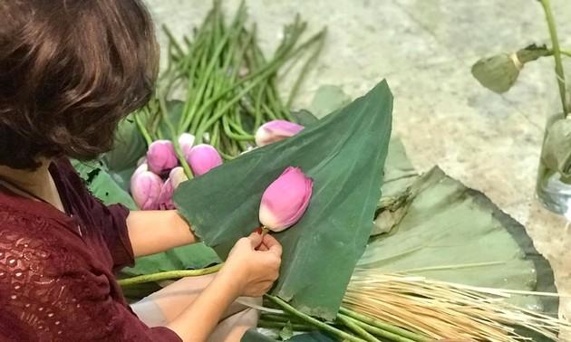 Чай в лотосе – одна из особенностей Ханоя