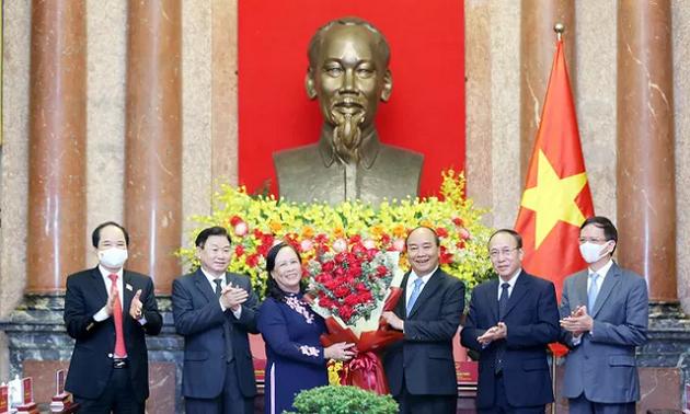 Президент Нгуен Суан Фук: Пожилые люди – это достояние народа, опора семьи и общества