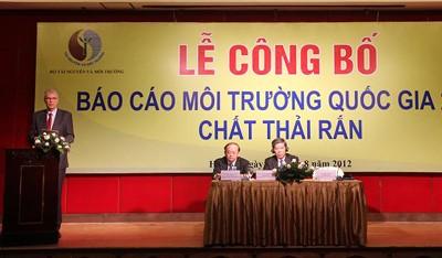 Việt Nam công bố báo cáo môi trường quốc gia năm 2011