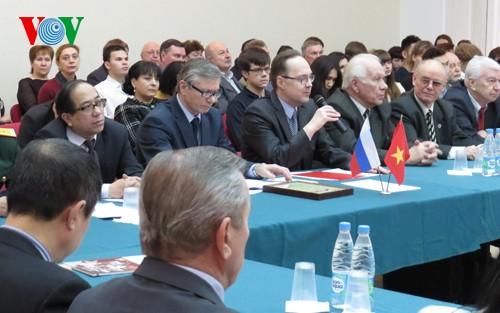 Sôi nổi các hoạt động kỷ niệm 65 năm thiết lập quan hệ ngoại giao Việt Nam-LB Nga