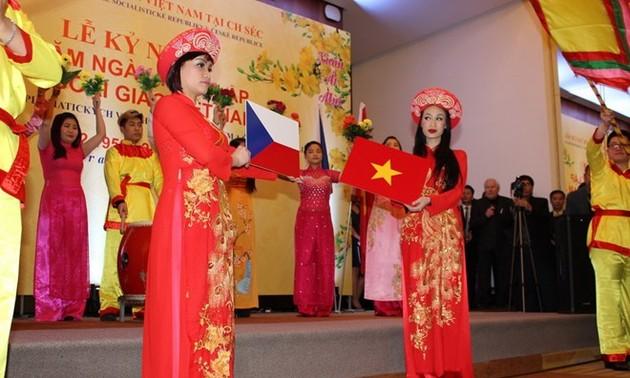 Kỷ niệm 65 năm quan hệ ngoại giao Việt Nam – Cộng hòa Séc