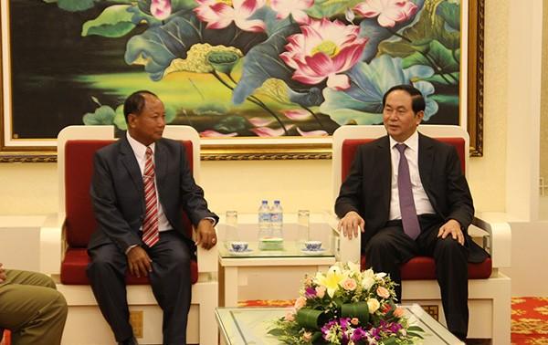 Bộ trưởng Bộ Công An Trần Đại Quang tiếp Quyền Bộ trưởng Bộ An ninh Lào