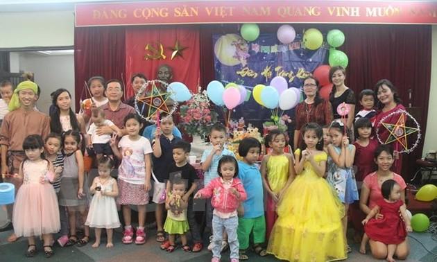 Cộng đồng người Việt tại một số nước vui đón Trung Thu