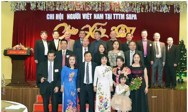 Chi hội người Việt Nam tại Trung tâm thương mại Sapa, Praha tổ chức mừng xuân 2017