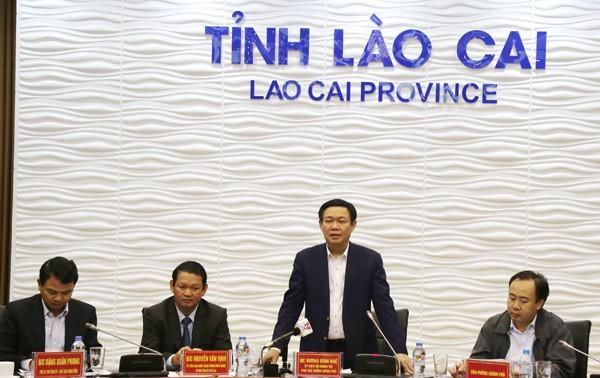 Phó Thủ tướng Vương Đình Huệ làm việc tại tỉnh Lào Cai
