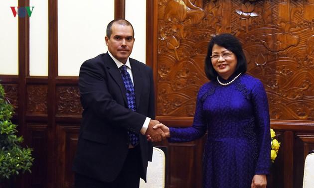 Phó Chủ tịch nước Đặng Thị Ngọc Thịnh tiếp Đoàn Thông tấn xã Mỹ Latinh Prensa Latina