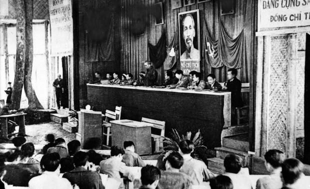 """Phim tài liệu """"Việt Nam thời đại Hồ Chí Minh - Biên niên sử truyền hình"""" phản ánh sự phát triển trường tồn của dân tộc"""