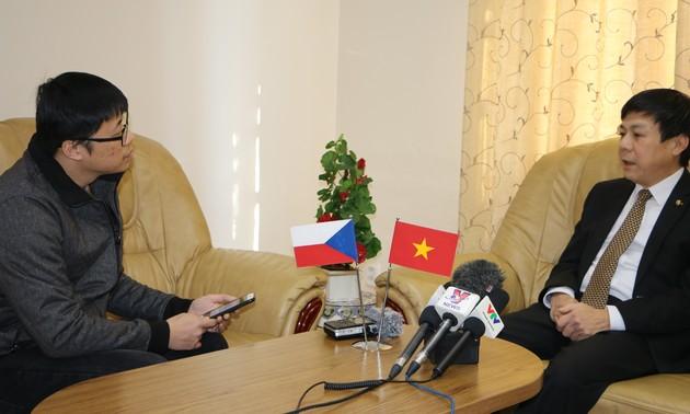 Việt Nam- Cộng hòa Séc tăng cường hợp tác, hỗ trợ lẫn nhau phòng chống dịch Covid-19