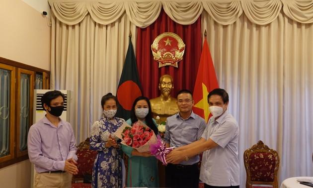 Ra mắt Ban Liên lạc cộng đồng người Việt Nam tại Bangladesh