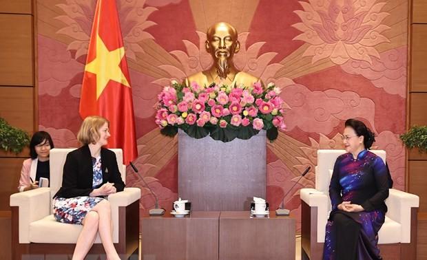 Chủ tịch Quốc hội Nguyễn Thị Kim Ngân tiếp các Đại sứ đến chào kết thúc nhiệm kỳ công tác