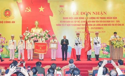 Thủ tướng Nguyễn Xuân Phúc trao danh hiệu Anh hùng tặng Cục An ninh điều tra