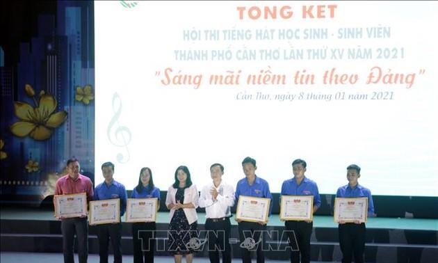 Nhiều hoạt động chào mừng 71 năm Ngày truyền thống học sinh, sinh viên Việt Nam