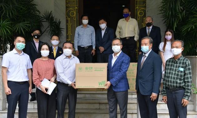 Đại sứ quán Việt Nam hỗ trợ cộng đồng người Việt tại Thái Lan phòng chống đại dịch COVID-19
