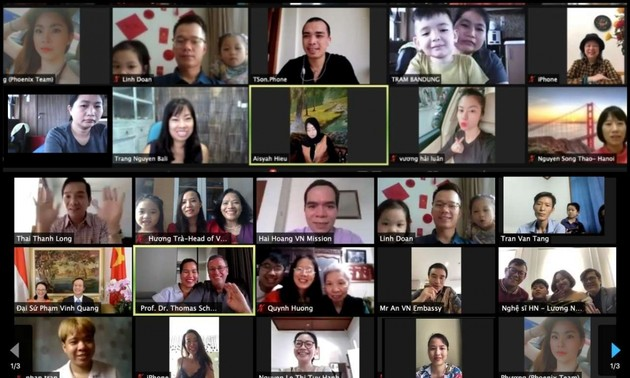 Hoạt động vui Tết cộng đồng của người Việt tại một số quốc gia