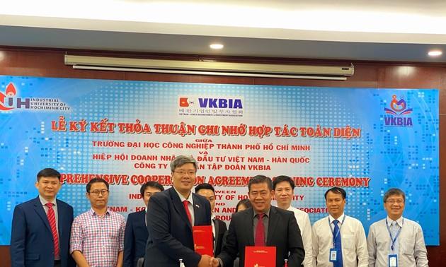 Liên kết giáo dục và đào tạo nhằm phát triển nguồn nhân lực chất lượng cao tại Thành phố Hồ Chí Minh