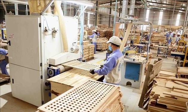 Xuất khẩu lâm sản quý 1 ước đạt gần 4 tỷ USD