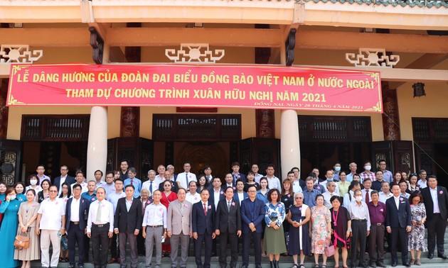 300 kiều bào họp mặt Xuân Hữu nghị tại tỉnh Đồng Nai