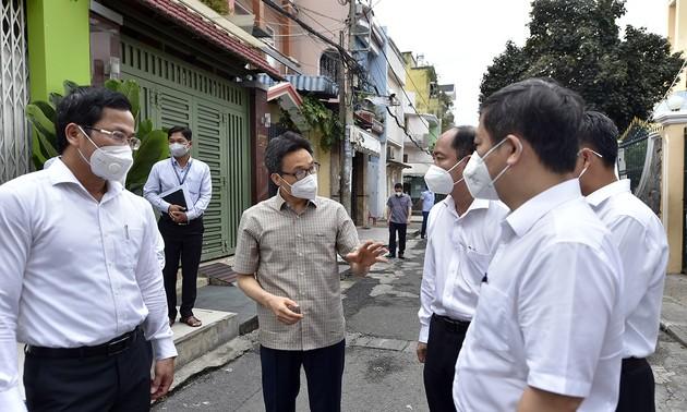 Phó Thủ tướng Vũ Đức Đam: ưu tiên lớn nhất là giữ khoảng cách tại Thành phố Hồ Chí Minh
