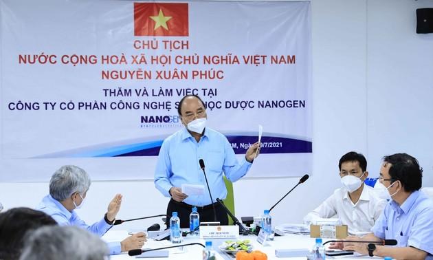 Chủ tịch nước Nguyễn Xuân Phúc yêu cầu đẩy nhanh tiến độ thử nghiệm Nanocovax