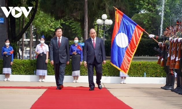 Непрерывное укрепление вьетнамско-лаосских дружеских отношений