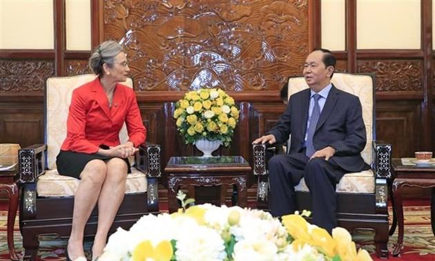 President receives Dutch Ambassadors