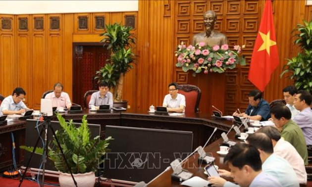 Vietnam tightens entry of foreign experts, guest workers to prevent COVID-19 infection