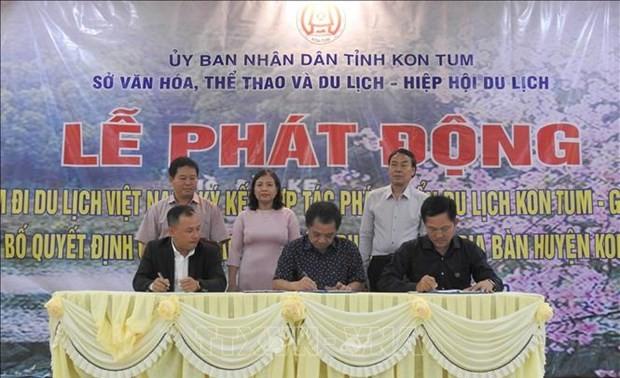 """Vietnamese people travel Vietnam"" program launched in Kon Tum"