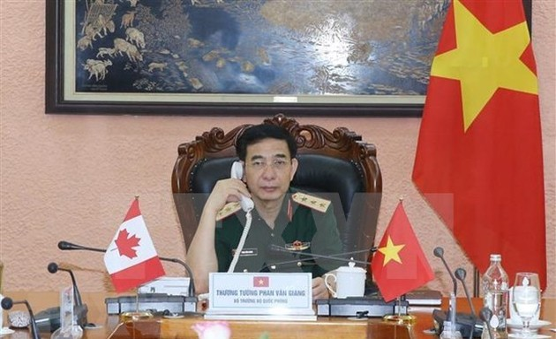 Vietnam, Canada pledge stronger defense ties