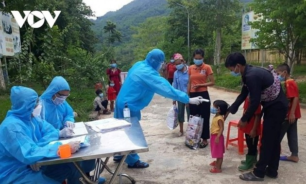 Vietnam logs 7,594 COVID-19 cases on Thursday