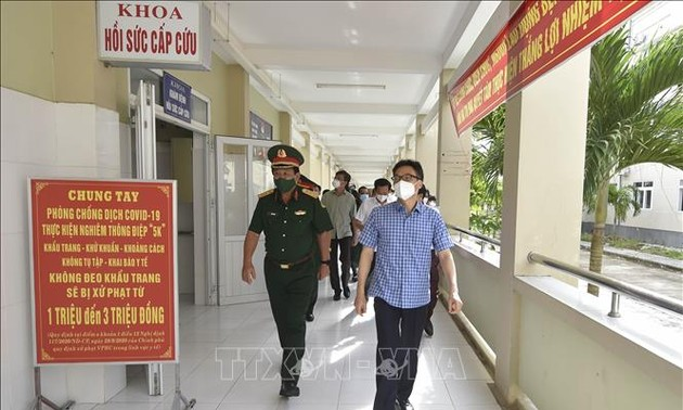 Deputy PM urges Kien Giang to speed up COVID-19 screening, testing