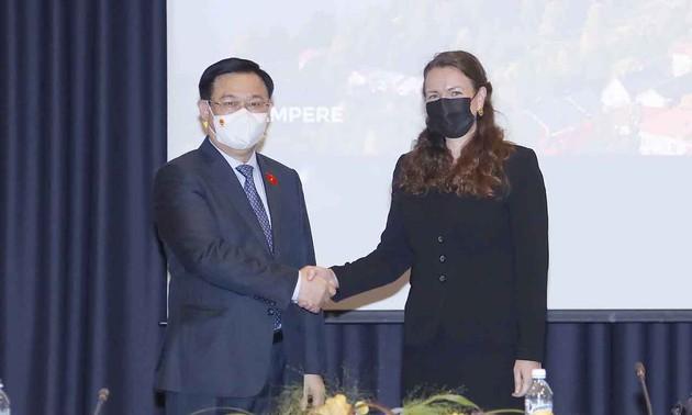 Vietnam creates stable, safe environment for foreign businesses: Top legislator