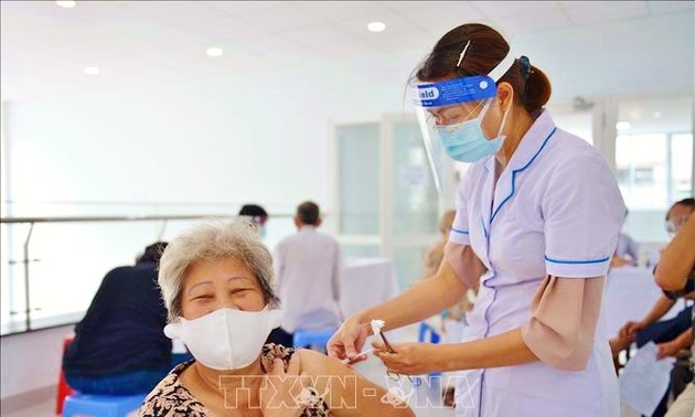 Vietnam cares for the elderly during pandemic
