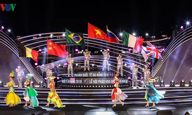 2019 Da Nang International Fireworks Festival opens